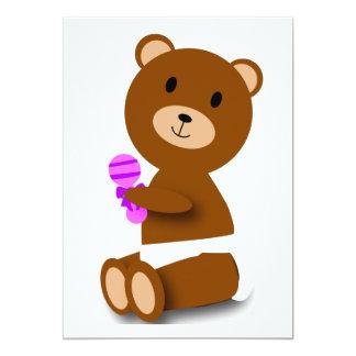 Urso do bebê na fralda customizável convite 12.7 x 17.78cm