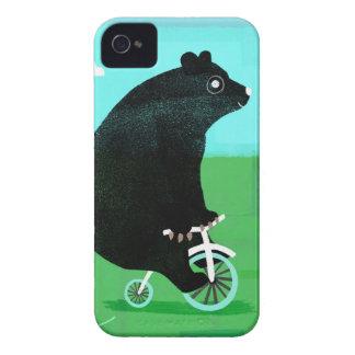 Urso em uma bicicleta capa para iPhone