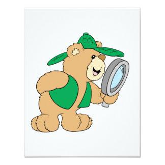 Urso espiando do detetive convite personalizado