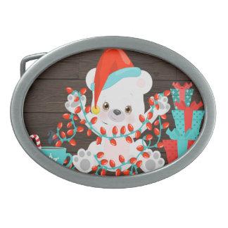 Urso polar pequeno bonito com luzes de Natal