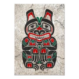 Urso vermelho e verde rachado do espírito do Haida Convite Personalizado