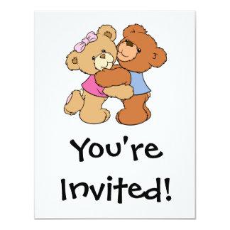 Ursos bonitos do abraço de urso convites