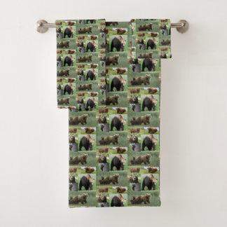 Ursos dos grupos de toalha do banheiro