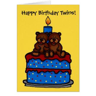 ursos gêmeos do menino no aniversário do bolo cartão comemorativo