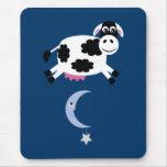 Vaca bonito saltada sobre a lua Mousemat Mouse Pad