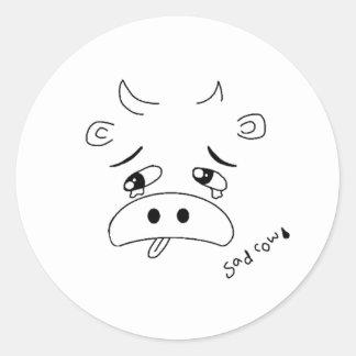 Vaca triste adesivo redondo
