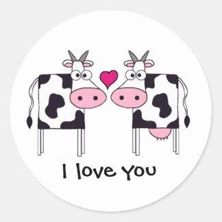 Vacas no amor adesivos redondos