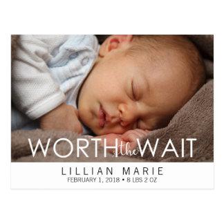 Valor o cartão do anúncio do bebê da espera |