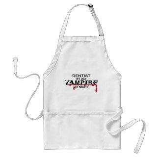 Vampiro do dentista em a noite avental