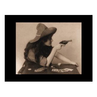 Vaqueira do vintage com cartão da arma