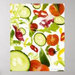 Vegetais de salada misturada frescos que caem à câ posteres