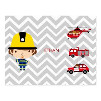Veículos da emergência do bombeiro em Chevron Cartão Postal
