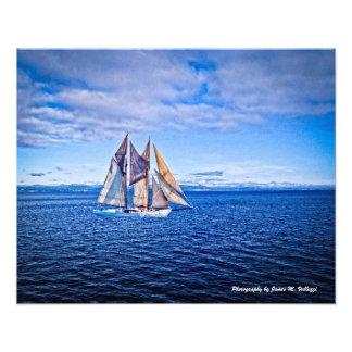 veleiro 16 x 20 em um mar azul impressão fotográficas