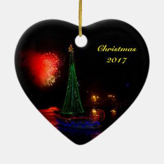 Veleiro 2017 e ornamento cerâmico do coração dos