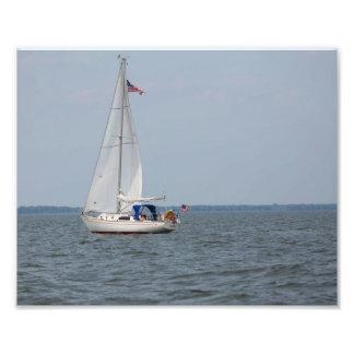 Veleiro da infinidade que navega o Lago Michigan Impressão De Foto
