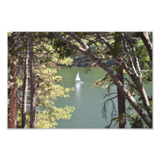 Veleiro no lago foto artes