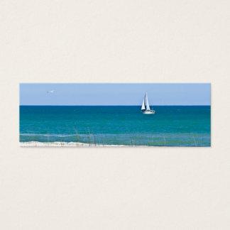 Veleiro no mar cartão de visitas mini