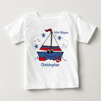 Veleiro pequeno bonito t-shirts