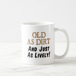 Velho como a sujeira apenas como a caneca vívida