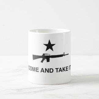 """""""Vem tomar-lhe"""" a caneca de café"""