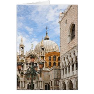 Veneza, Vêneto, Italia - os pássaros são Cartão