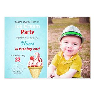 Verão do azul do menino do convite do aniversário
