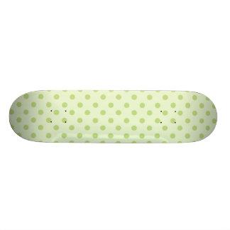 Verde em bolinhas verdes shape de skate 18,4cm