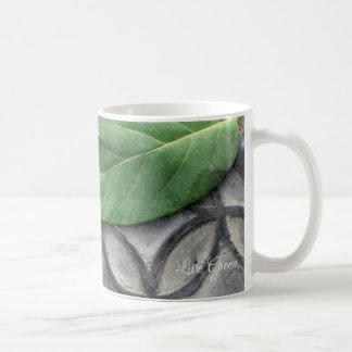 Verde vivo - caneca da folha & de café do teste