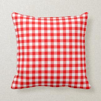 Verificações vermelhas e brancas do guingão almofada