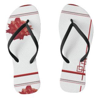 Vermelho, branco, flor e linhas chinelos