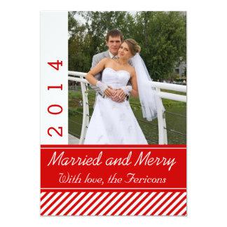 Vermelho casado & alegre, branco listra a foto do convite personalizados