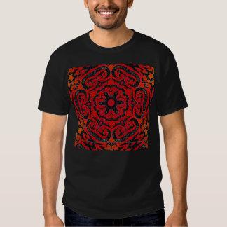 Vermelho corajoso camiseta