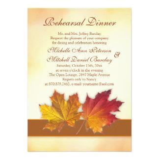 Vermelho e jantar de ensaio das folhas de bordo do convite personalizados