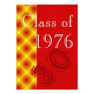 Vermelho e partido da reunião de classe do ouro convites personalizados