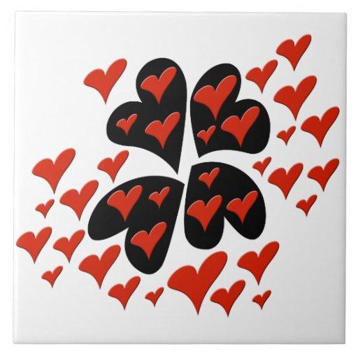 Vermelho em corações pretos azulejo