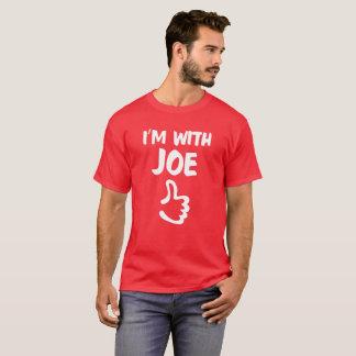 Vermelho eu sou com camisa de Joe