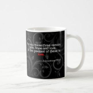 Verso da bíblia do amor, preto/vermelho caneca de café