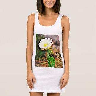 Vestido branco do tanque do jérsei da flor do