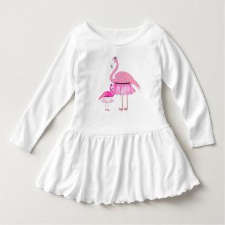 Vestido cor-de-rosa do plissado da criança do