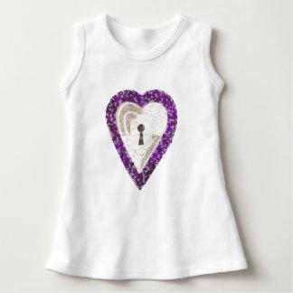 Vestido do bebê do coração do cacifo