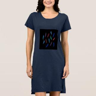 Vestido do t-shirt das mulheres das penas da