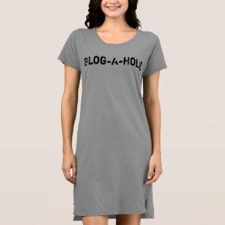 Vestido do t-shirt do Blogue-Um-Holic