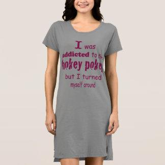 Vestido Eu era viciado às citações da tipografia do Pokey