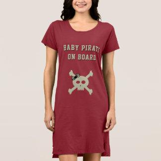 Vestido feito sob encomenda do t-shirt do pirata