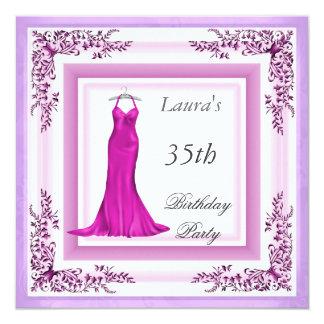 Vestido malva do convite de aniversário