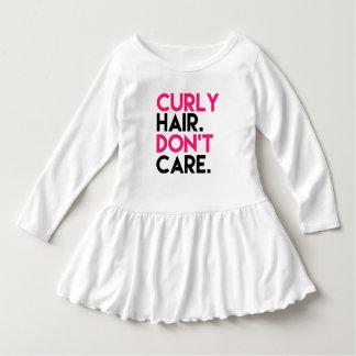 Vestido O cabelo encaracolado engraçado não se importa a