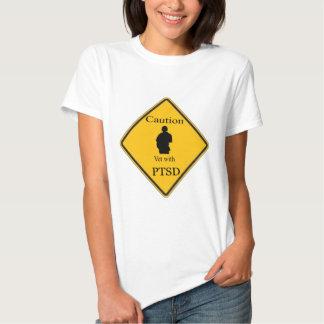 Veterinário do cuidado com PTSD Camisetas