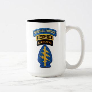 Veterinários das guardas florestais das boinas caneca de café em dois tons
