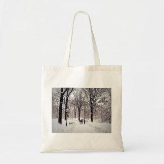 Viagem da família do inverno ao Central Park Bolsa Tote