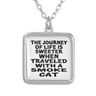 Viajado com gato do fumo colar banhado a prata